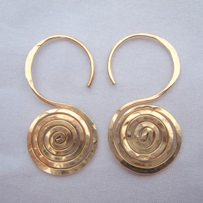 thick guage gold spiral earrings